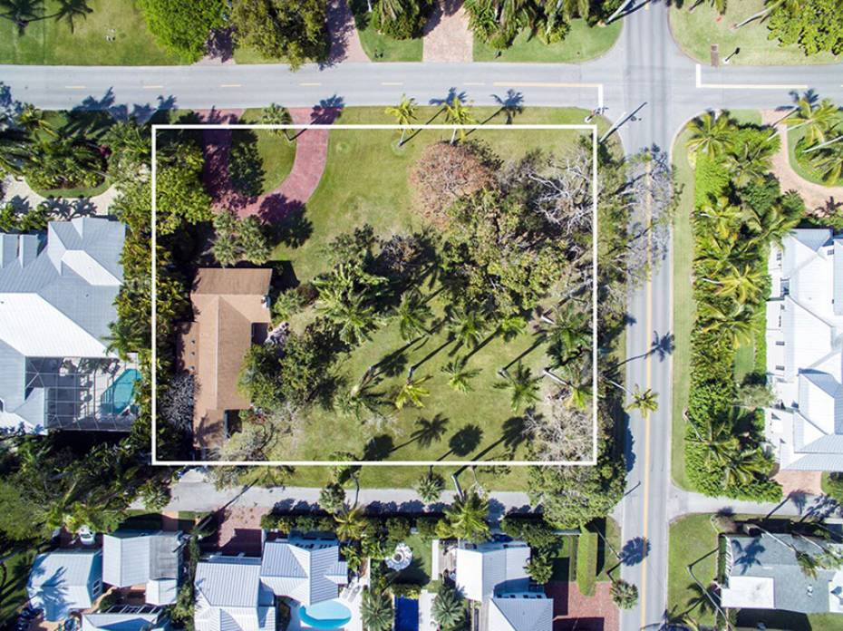 Additional photo for property listing at 170 9th Ave S, Naples, Florida  34102  Naples, Florida,34102 United States