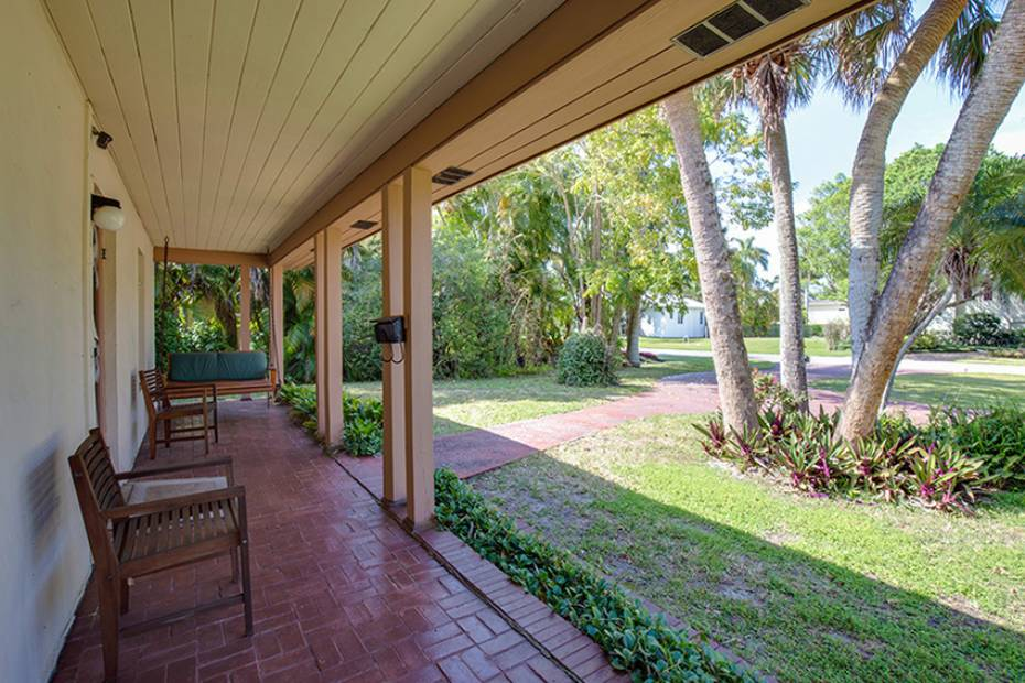 Additional photo for property listing at 170 9th Ave S, Naples, Florida  34102  Naples, Florida,34102 Verenigde Staten