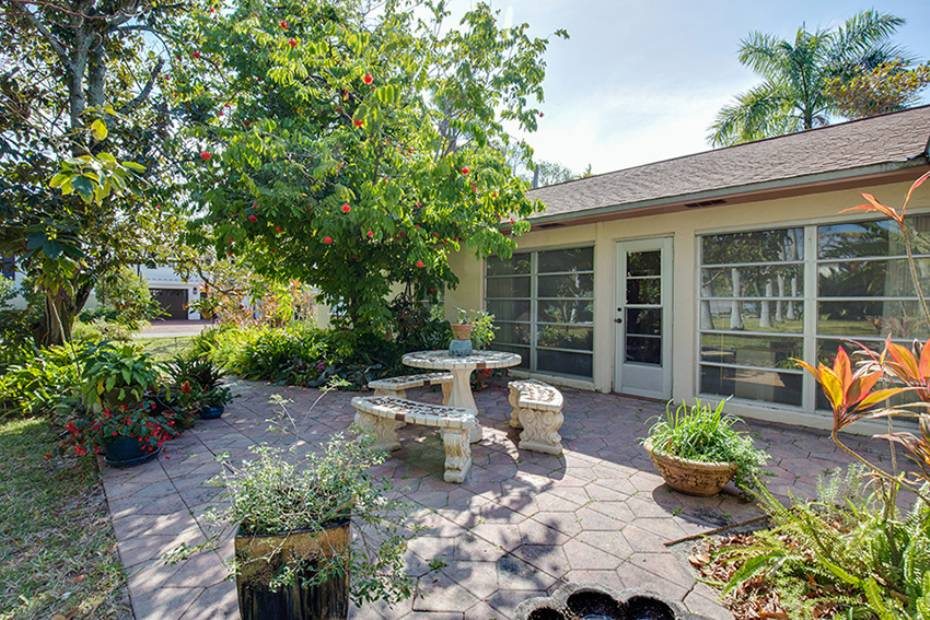 Additional photo for property listing at 170 9th Ave S, Naples, Florida  34102  Naples, Florida,34102 Vereinigte Staaten