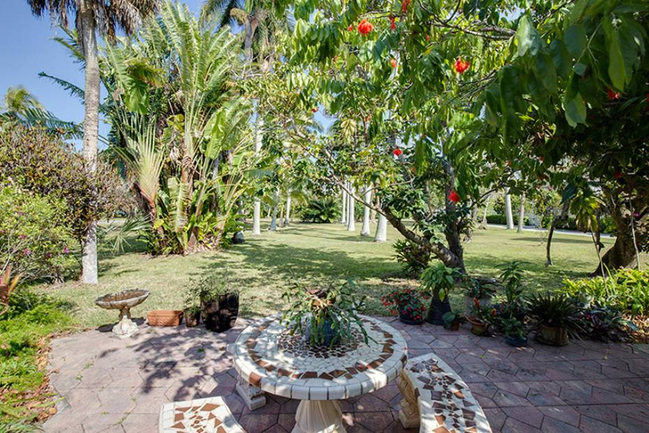 Additional photo for property listing at 170 9th Ave S, Naples, Florida  34102  Naples, Florida,34102 Amerika Birleşik Devletleri