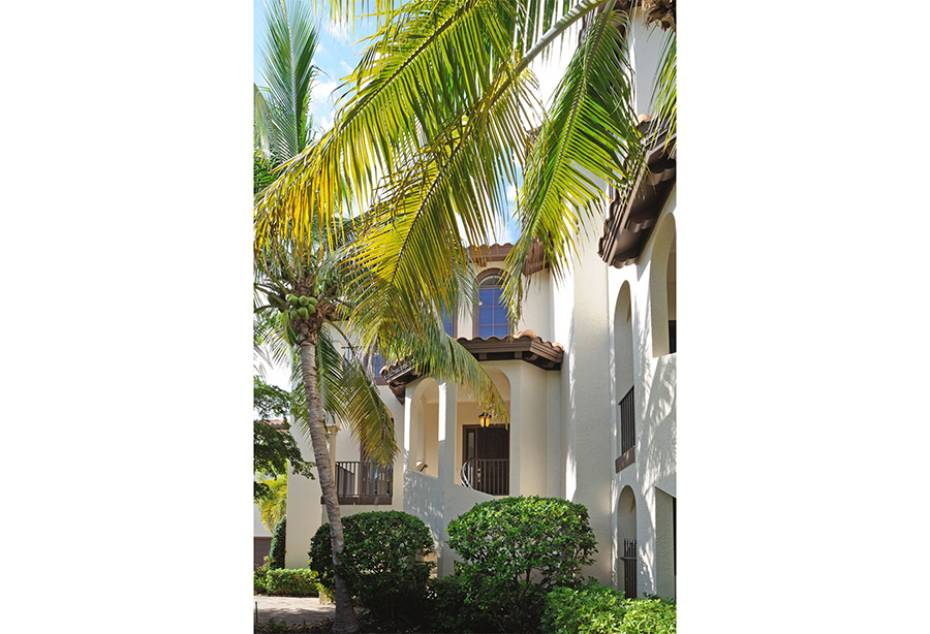 Additional photo for property listing at 1012 7th St S B-2 Naples, Florida,Estados Unidos