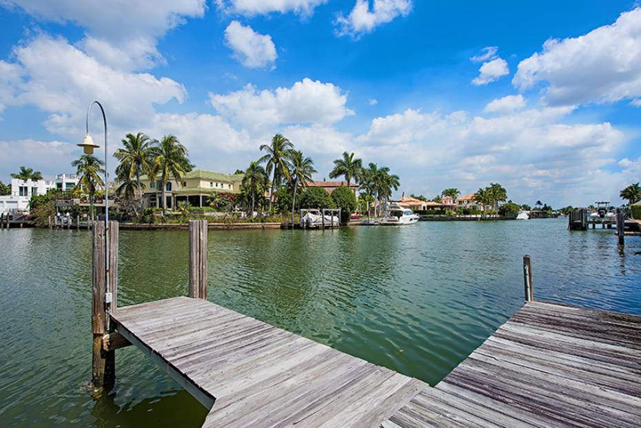 Additional photo for property listing at 655 Galleon Dr Naples, Florida,Estados Unidos