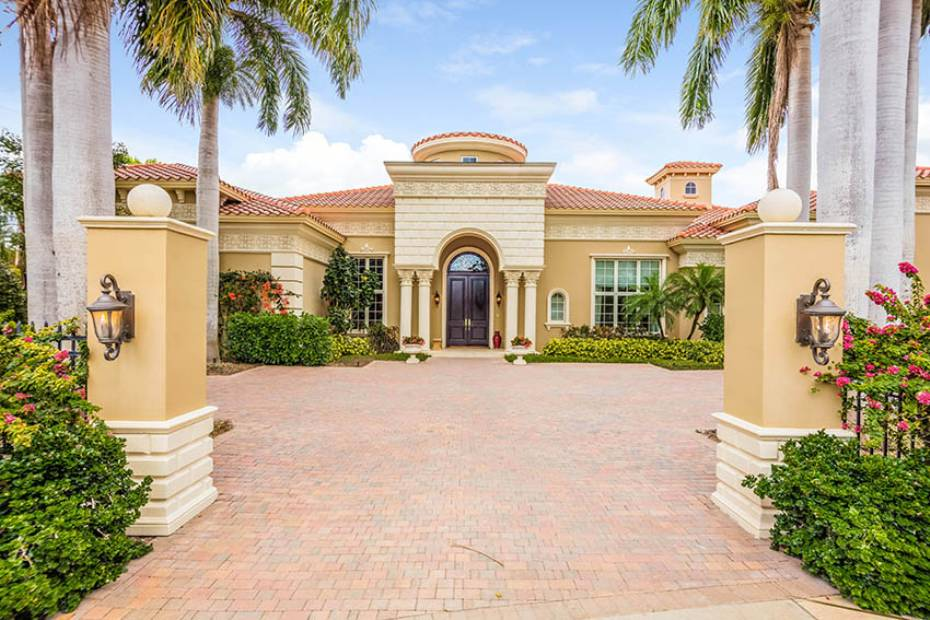 Additional photo for property listing at 13741 Pondview Cir Naples, Florida,Stati Uniti