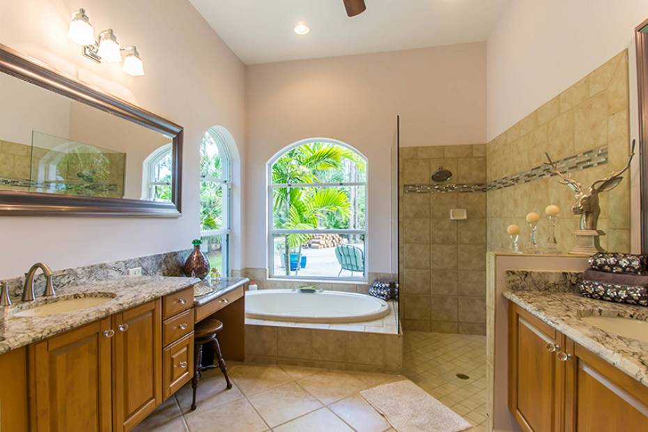 Additional photo for property listing at 6121 Golden Oaks Ln Naples, Florida,Vereinigte Staaten