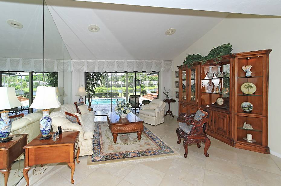 Additional photo for property listing at 552 Whispering Pine Lane Naples, Florida,États-Unis