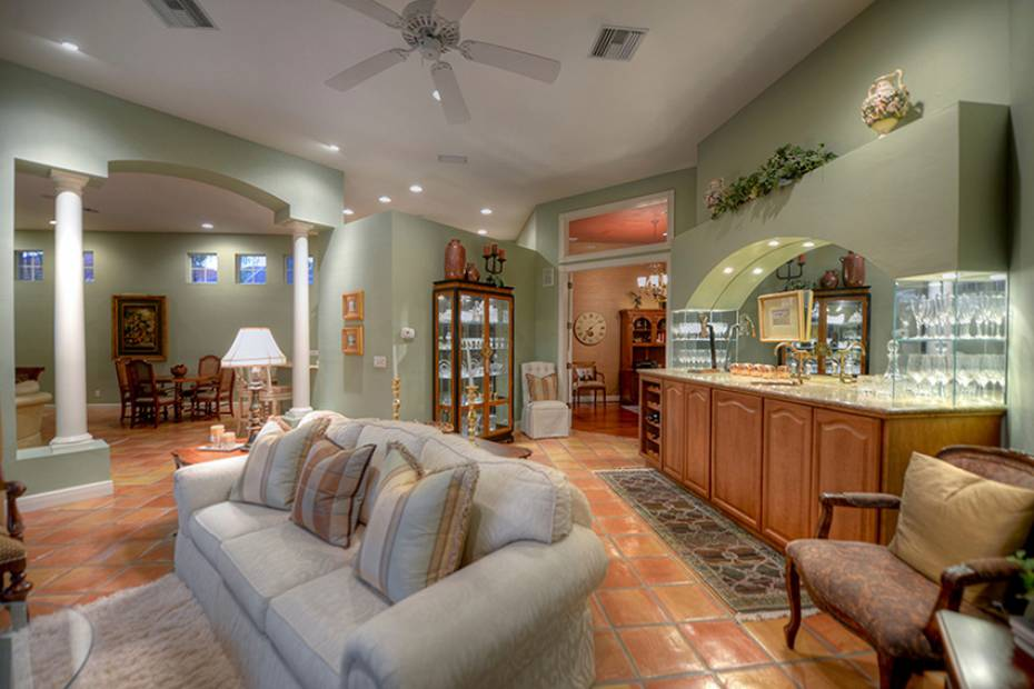 Additional photo for property listing at 556 Eagle Creek Dr Naples, Florida,United States
