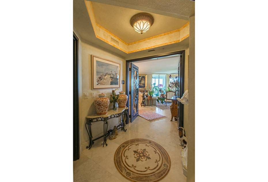 Additional photo for property listing at 285 Grande Way 1403 Naples, Florida,Hoa Kỳ