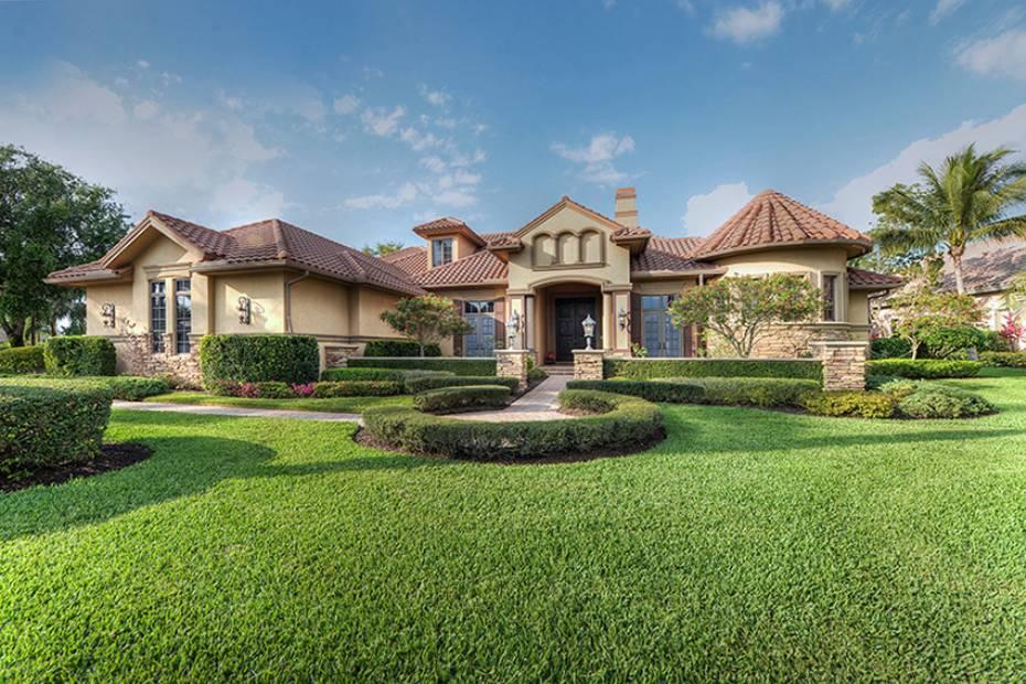 其它 為 出售 在 9507 Via Lago Way Fort Myers, 佛羅里達州,美國