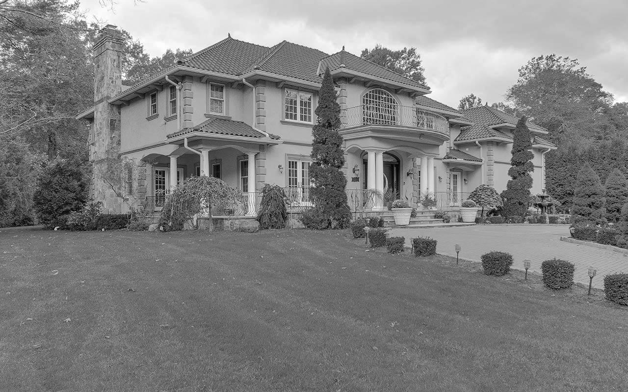 79 Comstock Hill Avenue, Norwalk (Silvermine), CT