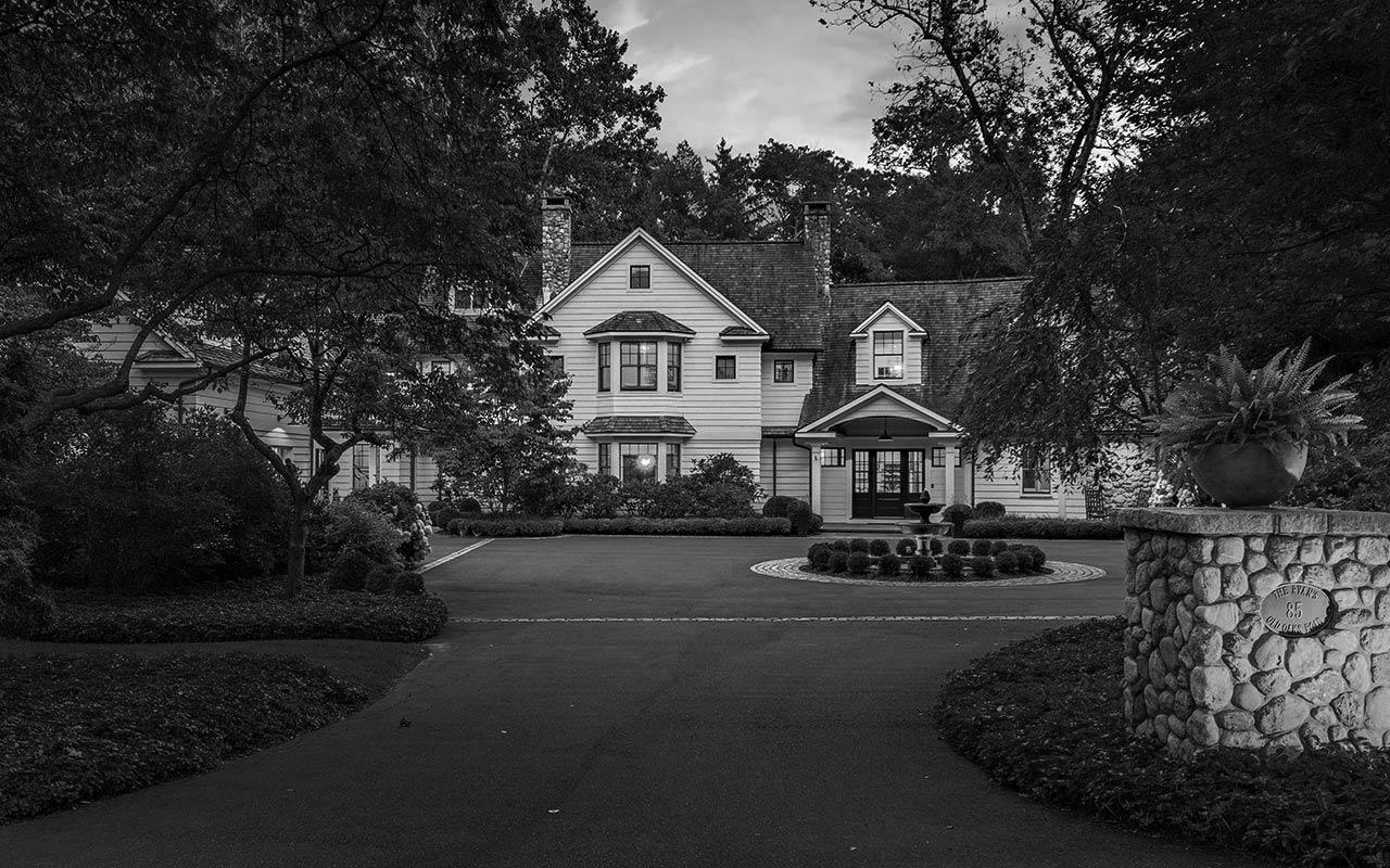 85 Old Oaks Road, Fairfield (Brooklawn), CT