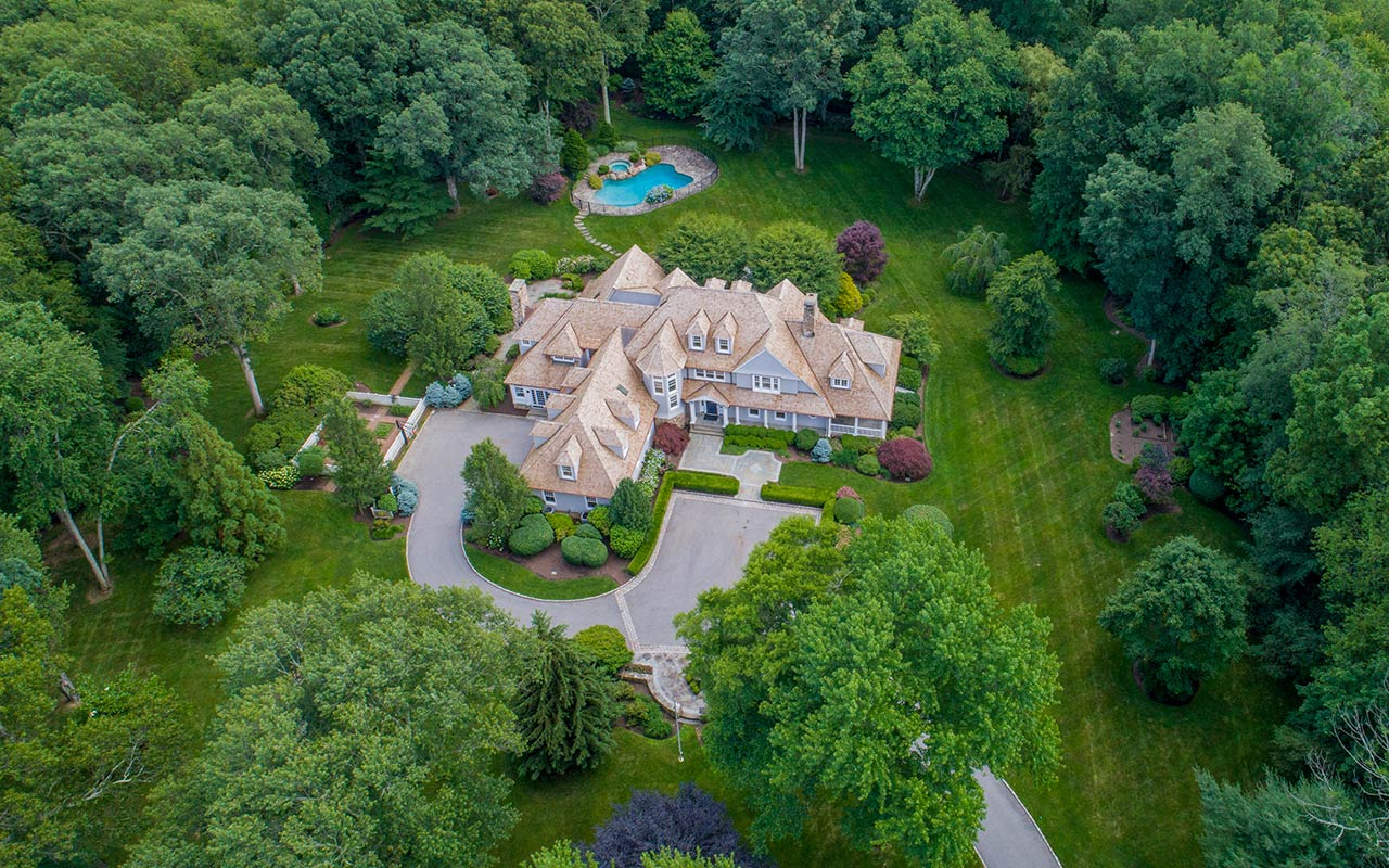 85 Lukes Wood Road, New Canaan, CT