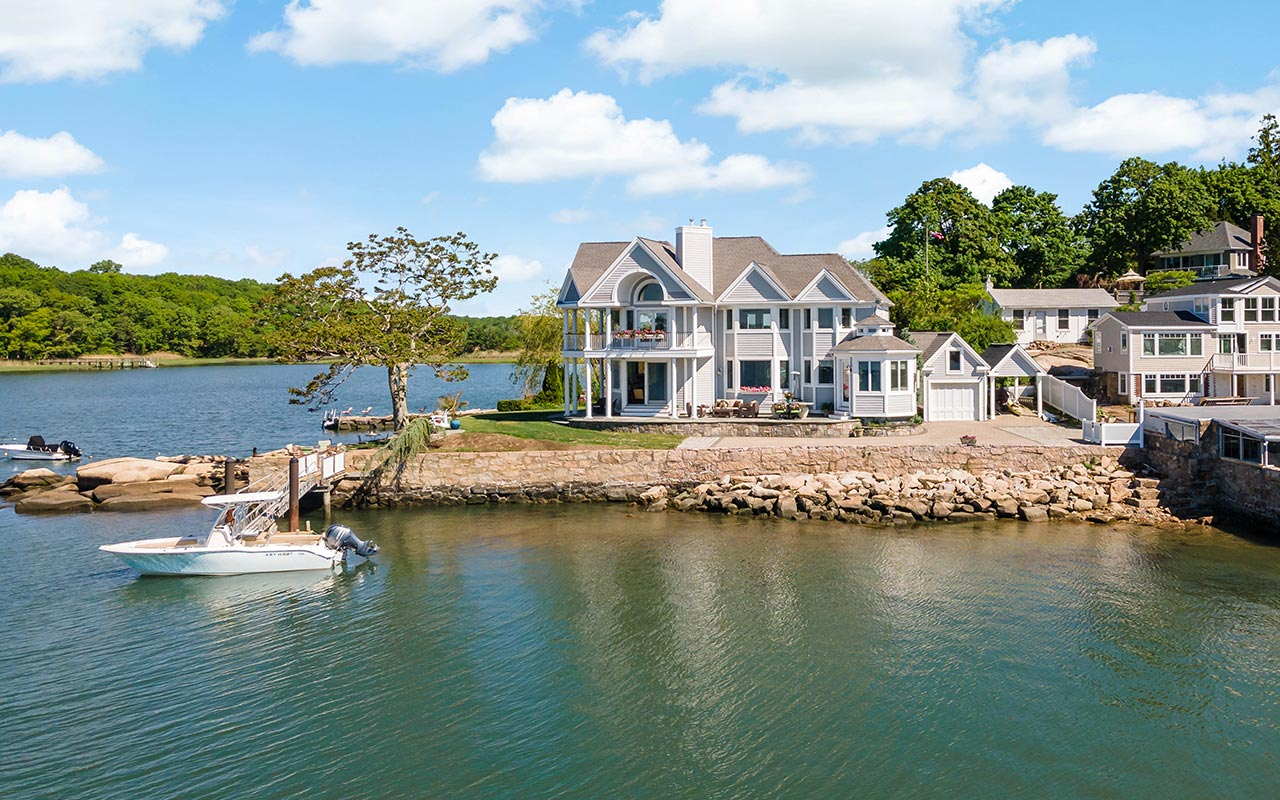 31 Halls Point Road, Branford (Stony Creek), CT