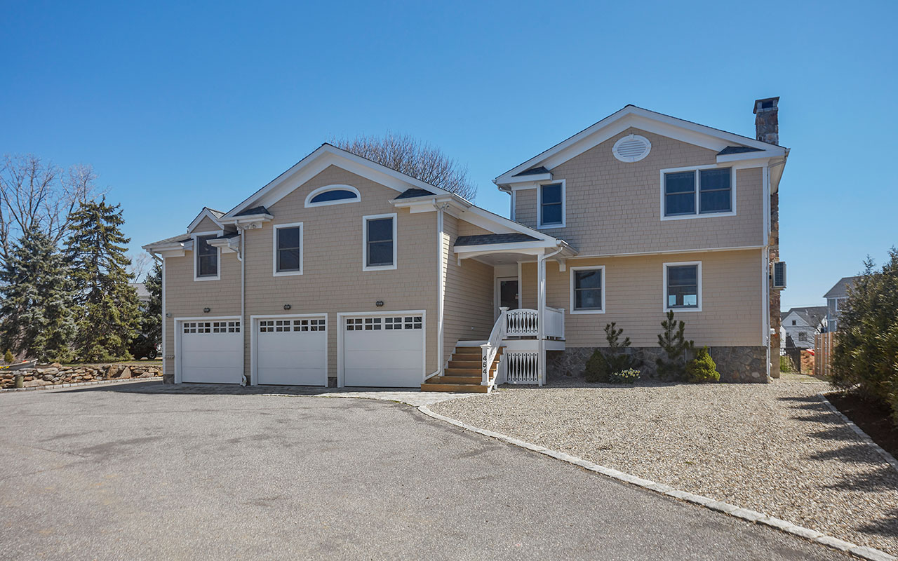454 Pine Creek Avenue, Fairfield (Beach), CT